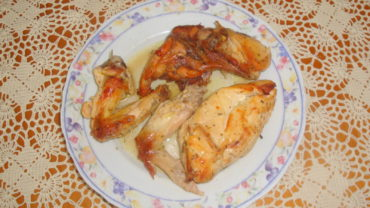 Carne de pui la cuptor cu sos de lamaie