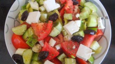 Salata greceasca traditionala – horiatiki