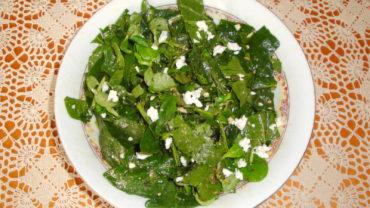 Salata de spanac cu valeriana si branza