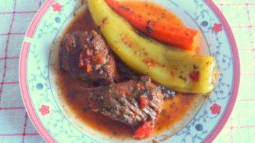 Carne de vaca in sos de rosii, « Kokinisto »