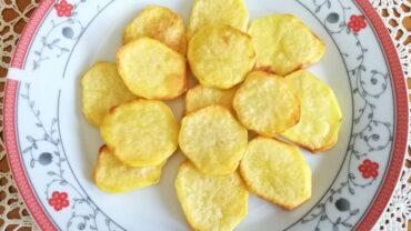 Cartofi prajiti la cuptor
